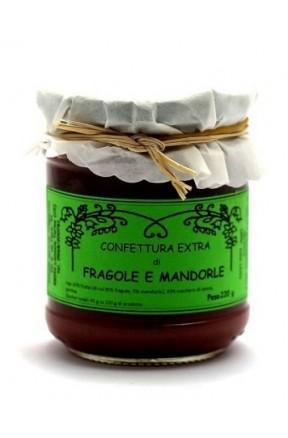 Confettura di fragole e mandorle di Fragiacomo